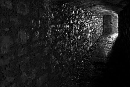 oscuro: T�nel de ej�rcito italiano de WWI renovado  Foto de archivo