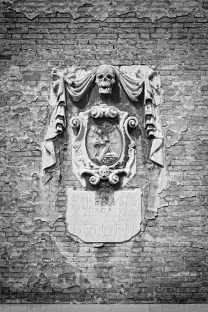 bas: Venice, Italy  Ancient spooky relief on a church wall  Stock Photo