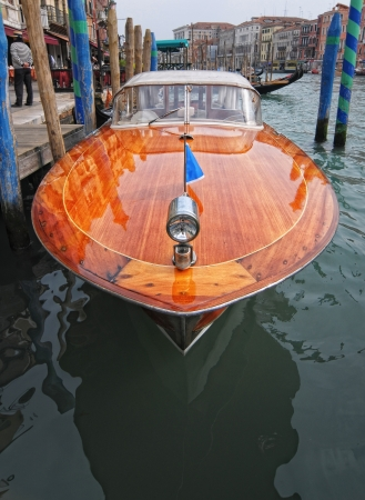 forepart: Venetian taxi