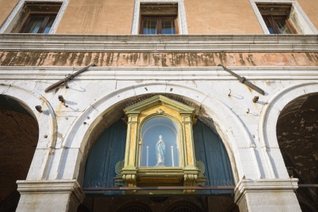 jungfrau maria: Antike Jungfrau Maria Schrein