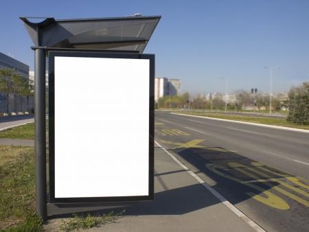バス停広告のための空白の領域に光の街