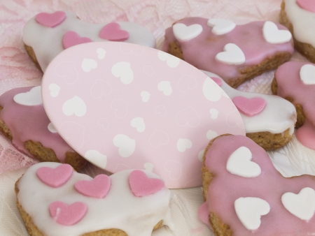 heart shape gingerbread with card photo