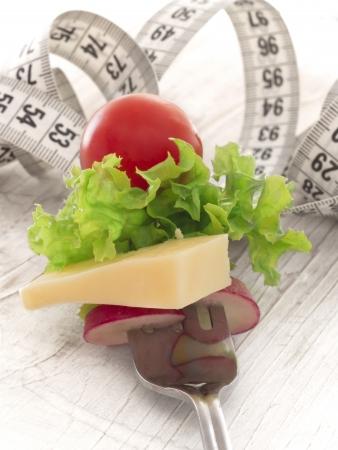 フォークにチーズと野菜をダイエットします。 写真素材 - 19397264