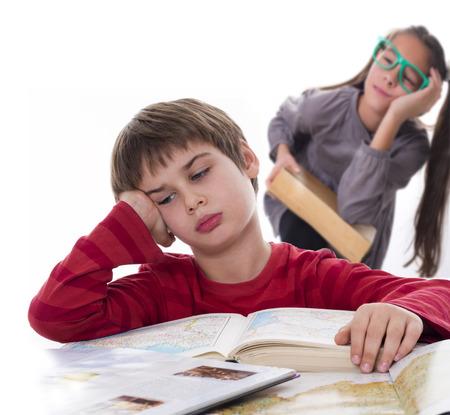 怠け者の生徒に、本は非常に退屈することができます。