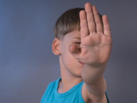 dejar de abusar de los niños