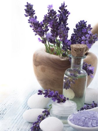 spa lavender arrangement Standard-Bild