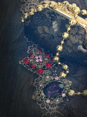 preasure: vintage female accessories
