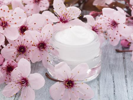 facial cream fresh as spring flowers