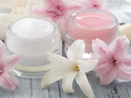 natural cosmetics, fresh as spring 스톡 콘텐츠