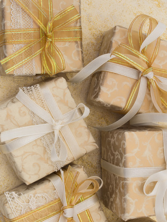 sateen: decorative gift boxes
