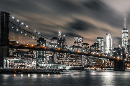 Brooklyn Bridge night long exposure 版權商用圖片
