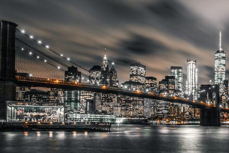 Exposition longue nuit du pont de Brooklyn