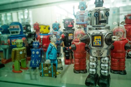 viejos robots de juguete de hojalata clásicos Foto de archivo
