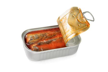 トマトソースでイワシの缶詰を開く