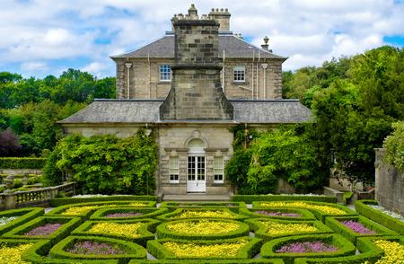ポロックの国公園、グラスゴー、スコットランド、英国のポロック ハウスで正式な庭園