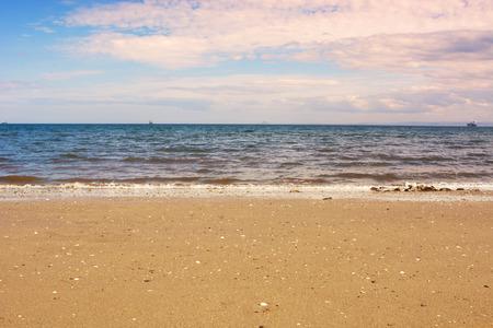 カークカルディの空の砂浜, スコットランド