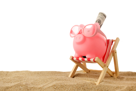 Piggy bank wearing retro sunglasses isolated on white background 写真素材 - 124625352