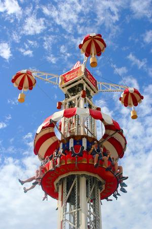 December, 2012, Melbourne, Australië - Vintage en kleurrijke rit in Luna Park in Melbourne in Australië Redactioneel