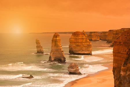 Zonsondergang bij Twaalf Apostelen langs de Great Ocean Road in Australië, in de buurt van Melbourne