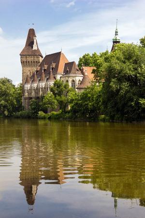Vajdahunyad Castle in het stadspark van Boedapest, Hongarije
