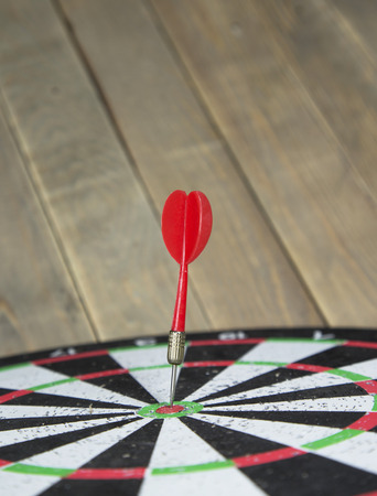 dart on target: old dart target with arrows