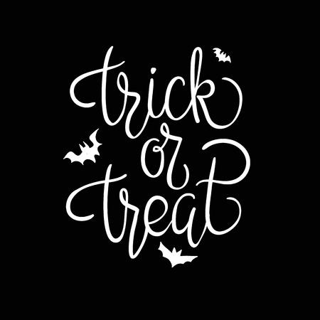 treats: Truco o trato. Citar. cartel de Halloween con letras de la mano y elementos de decoración
