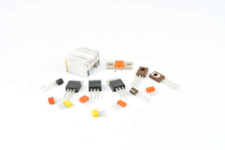 Radio, vintage transistors, low power, low voltage, heat sink for transistors, repair and replacement