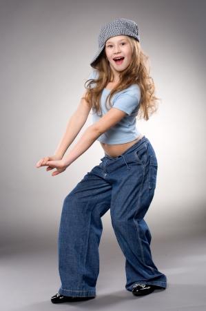 niños bailando: Baile sonriente niña