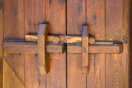 deadbolt: latch timber