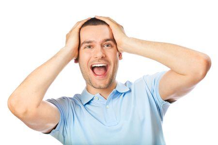 surprised: Sorprendi� a feliz expresivo hombre, aislado en blanco