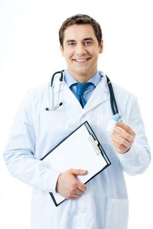 medicament: Feliz m�dico sonriente con medicamentos y portapapeles, aislados en blanco