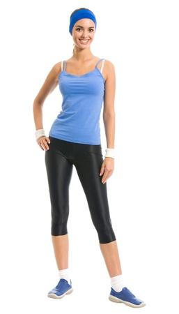 mujer cuerpo completo: Todo el cuerpo de joven mujer alegre sonriente en ropa de deportes, aislado sobre fondo blanco
