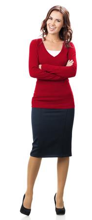 cuerpo entero: Retrato de cuerpo entero de feliz y sonriente joven empresaria en ropa de color rojo elegante, aislado sobre fondo blanco