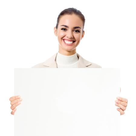 행복 한 젊은 비즈니스 여자 보여주는 빈 간판, 흰색 배경 위에 절연