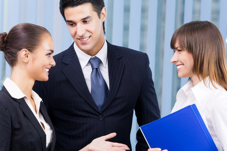 Portrait of happy businesspeople at office Banque d'images - 115400881