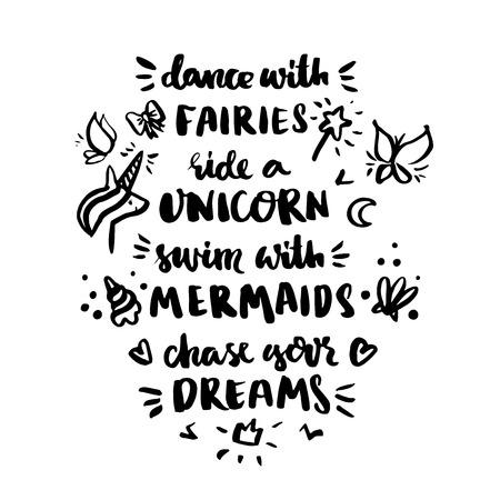"""ard met opschrift """"Dans met feeën, rijd een eenhoorn, zwem met zeemeerminnen, haak je dromen!"""" in een trendy kalligrafische stijl. Het kan gebruikt worden voor uitnodigingskaarten, brochures, poster, t-shirts, mokken, telefoon hoesjes, enz."""