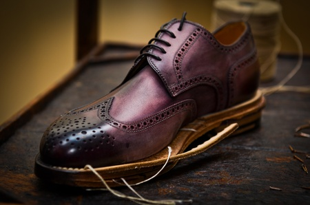 artisan: Italian shoes build