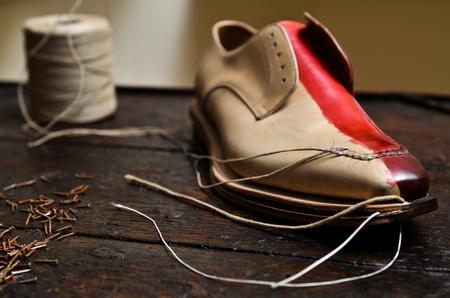 craftsmanship: Italian shoes build
