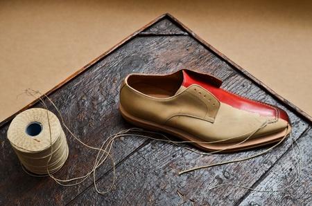 Shoe build