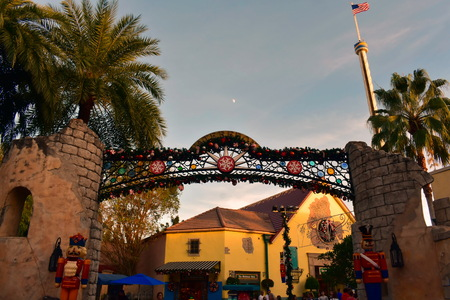 Orlando, Florida. November 19, 2018. Top view of Christmas Market area and nutcrackers on sunset background in International Drive area. 新聞圖片