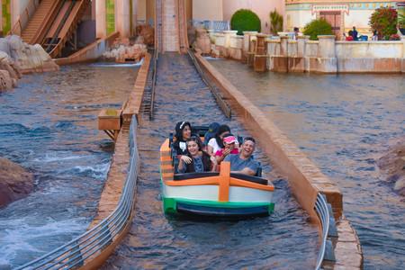 Orlando, Florida. March 09 2019. People having fun Journey to Atlantis at Seaworld in International Drive area (4) 報道画像