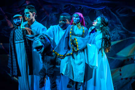Orlando, Florida. December 30, 2019. O Wondrous Night Show is a greatest story with carols, puppets and live animals.at Seaworld (126) Redactioneel