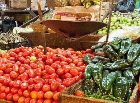 Groenten en fruit marktkraam