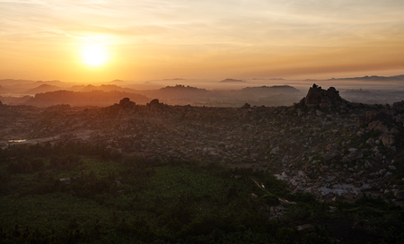 Sunrise view from the top of Hampi, Karnataka, India Banque d'images