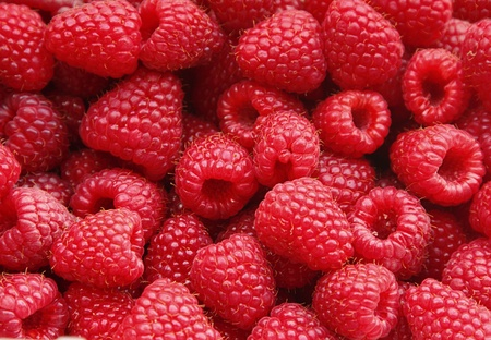 rote: A lot of a tasty juicy raspberry