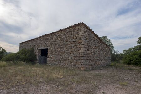 Abandoned house around Valvona, Teruel, Spain