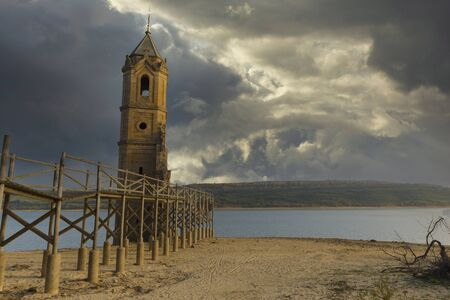 The abandoned tower of the ebro reservoir in Cantabria, Spain Foto de archivo