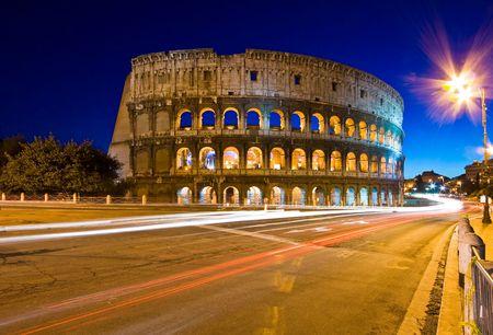 roma antigua: Coliseo en Crep�sculo