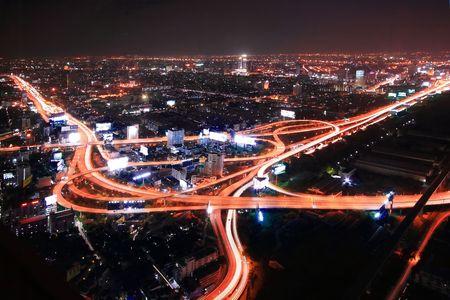 trails of lights: Thailandia Expressway e Highway superiore vista al crepuscolo  Archivio Fotografico