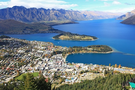 Cityscape of queenstown with lake Wakatipu from top at noon.